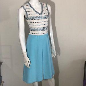 Vintage 1960's sleeveless v-neck sweater dress